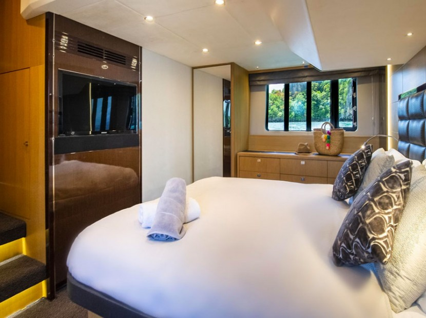 princess-yacht-phuket-for-rent11