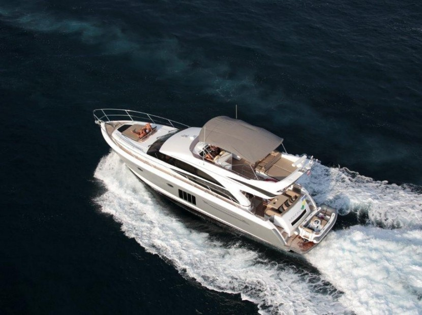 princess-yacht-phuket-for-rent16