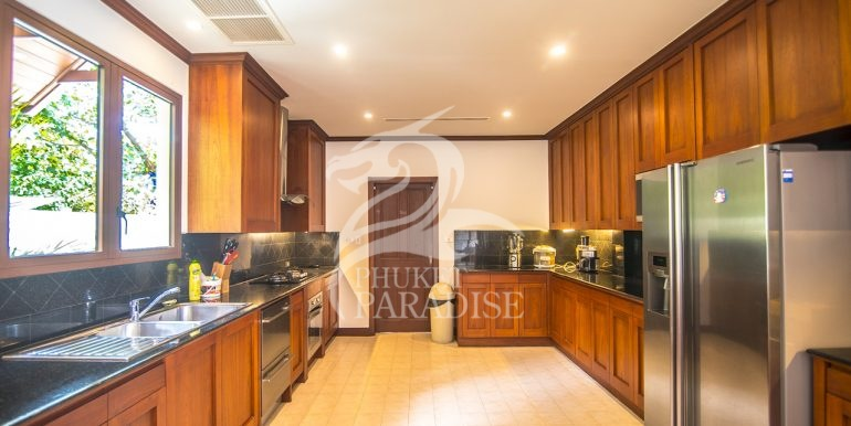 sai-taan-villa-phuket-for-rent-10
